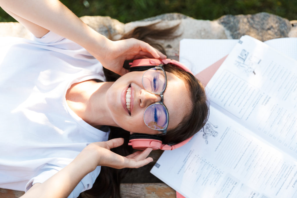 Language learning with audio books/audio courses